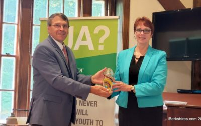 Junior Achievement Recognizes Founder Murray Crane